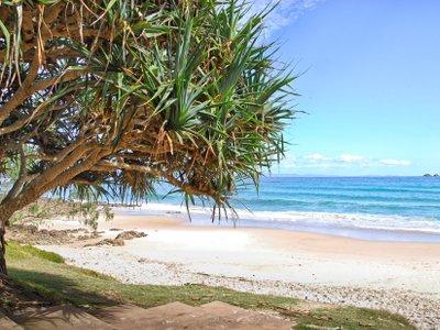 watergoes-beach-in-byron-bay-in-australia