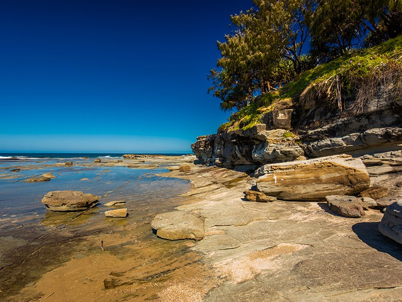 sunny-view-of-shelly-beach-at-caloundra-sunshine